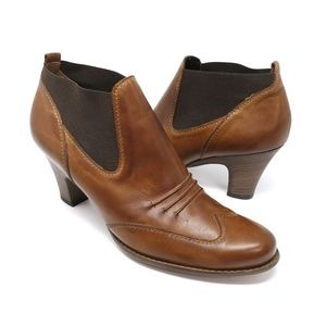 Paul Green brown leather western style ankle boots